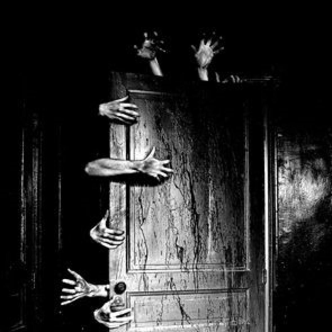 La porta che non voleva stare chiusa.